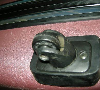 スーツケースの車輪が劣化してしまった!